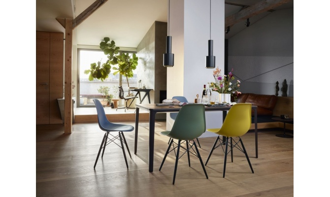 eames_dsw_plate_dining_table_nuage_aluminium_chair_ea_108
